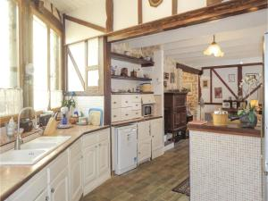 Hebergement Three-Bedroom Holiday Home in Causses er Vayran : photos des chambres