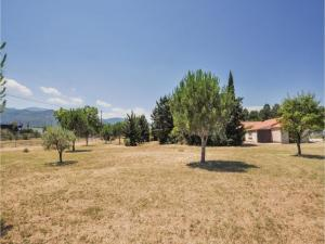 Hebergement One-Bedroom Holiday Home in Ceret : photos des chambres