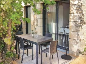 Hebergement Two-Bedroom Holiday Home in Erdeven : photos des chambres