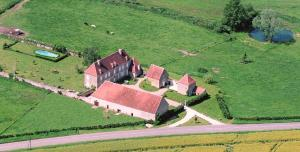 Hebergement Cussy-le-Chatel Chateau Sleeps 20 Pool WiFi : photos des chambres