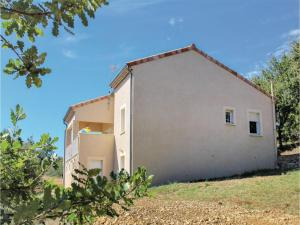 Hebergement Two-Bedroom Holiday Home in Rochecolombe : photos des chambres
