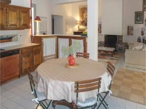 Hebergement Holiday home Gabian 95 with Outdoor Swimmingpool : photos des chambres