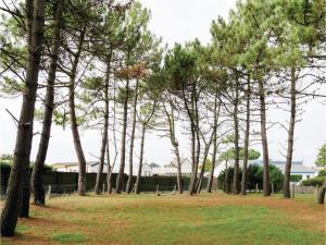 Hebergement Two-Bedroom Holiday Home in Pirou : photos des chambres