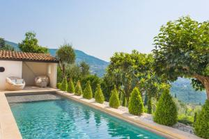 Hebergement Magagnosc Villa Sleeps 12 Pool Air Con WiFi : photos des chambres