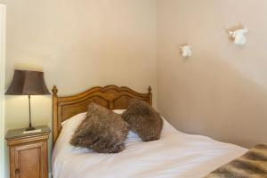 Hebergement Courcerac Villa Sleeps 10 WiFi : photos des chambres
