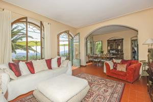Hebergement Grasse Villa Sleeps 8 Pool : photos des chambres