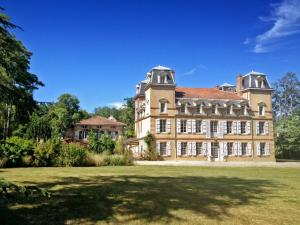 Hebergement Castagnac Chateau Sleeps 18 Pool WiFi : photos des chambres