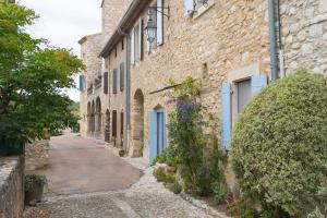 Hebergement Limousis Chateau Sleeps 12 Pool WiFi : photos des chambres