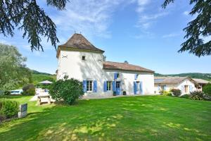 Hebergement Castelmoron-sur-Lot Chateau Sleeps 20 Pool WiFi : photos des chambres