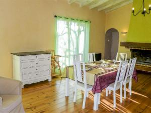 Appartement Apartment Les Vendanges : photos des chambres