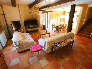 Hebergement Floressas Villa Sleeps 14 Pool : photos des chambres