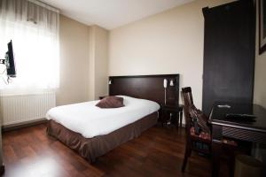 Adonis Villefranche Ambiance Hotel : photos des chambres