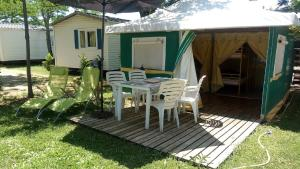 Hebergement Camping L'olivier : photos des chambres