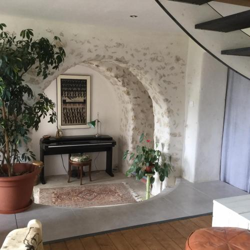 In the heart of artists's house : Chambres d'hotes/B&B proche de Saint-Hilaire-de-Lusignan