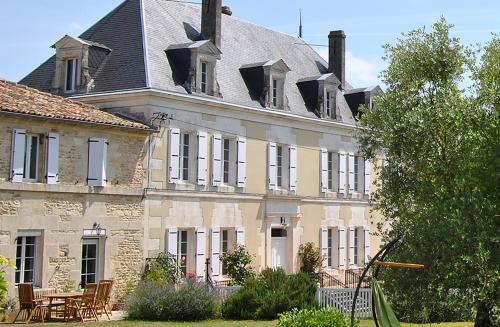 Boutique retreat France : Hebergement proche de Saint-Cybardeaux