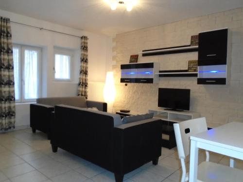 Appartements Baron Bouvier : Appartement proche de Montjustin-et-Velotte