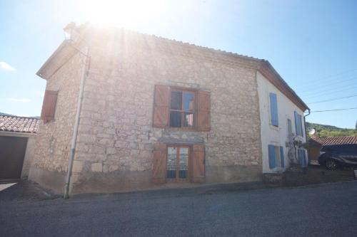 Vacation Home on Rue De La Bordette : Hebergement proche de Chalabre