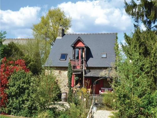 One-Bedroom Holiday Home in St Marie du Bois : Hebergement proche de Chevaigné-du-Maine
