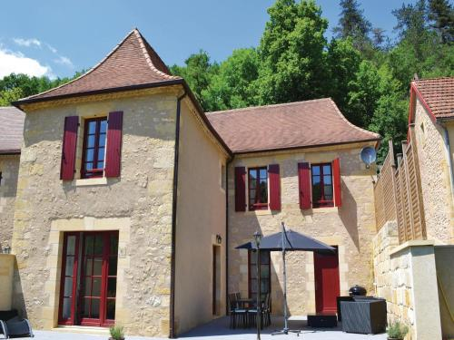 Holiday home Les Eyzies 75 with Outdoor Swimmingpool : Hebergement proche de Les Eyzies-de-Tayac-Sireuil