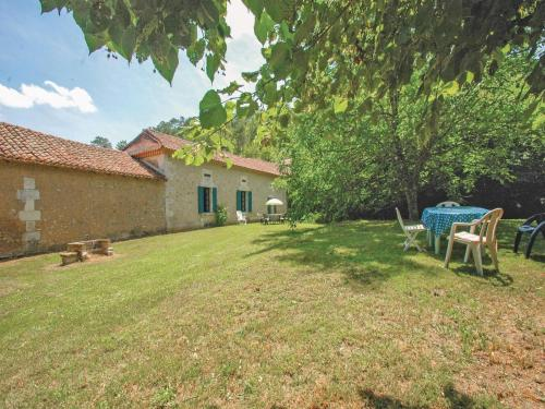 Holiday home Grignols with a Fireplace 324 : Hebergement proche de Saint-Hilaire-d'Estissac