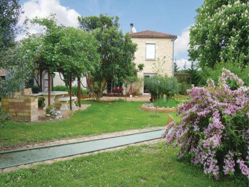 Holiday Home Les Marronniers : Hebergement proche de Sainte-Colombe-en-Bruilhois