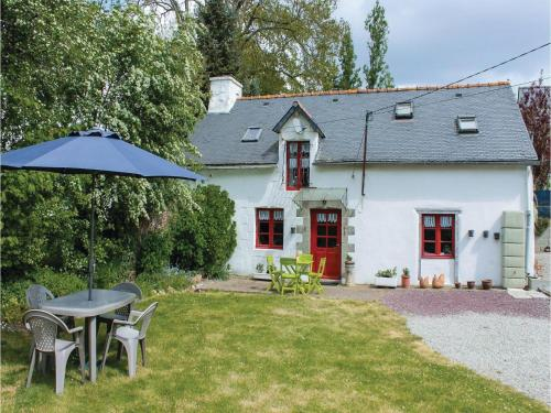Two-Bedroom Holiday Home in Noyal-Pontivy : Hebergement proche de Guénin