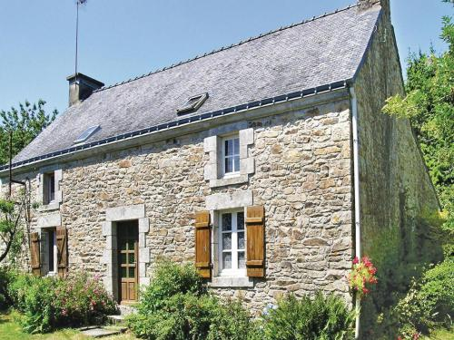 Holiday home Kervenic : Hebergement proche de Guénin