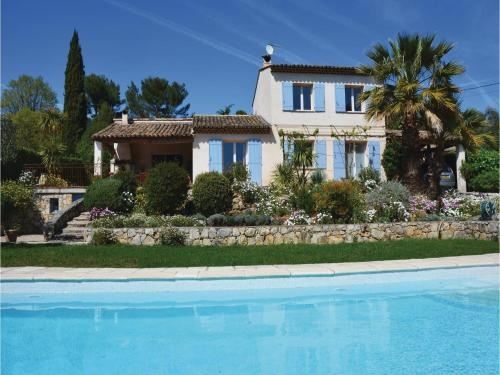 Three-Bedroom Holiday Home in Grasse : Hebergement proche d'Auribeau-sur-Siagne