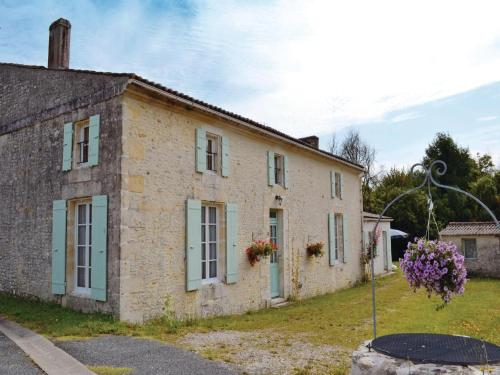 Photo Holiday Home St Andre Lidon Rue Des Anciens Queureux