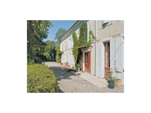 Holiday Home Cresse Chagnolet : Hebergement proche de Villemain