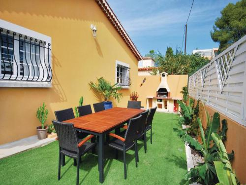 Holiday home Sanary sur Mer MN-1447 : Hebergement proche d'Ollioules