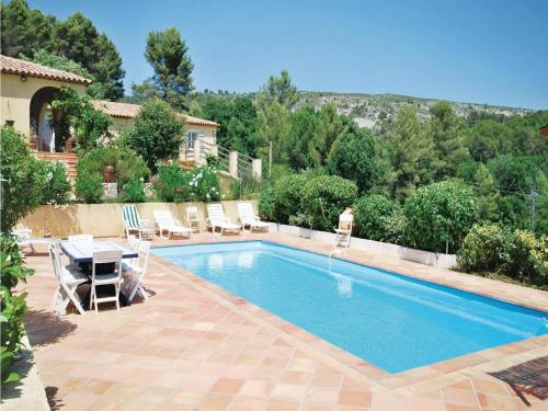 Holiday home Salernes YA-1441 : Hebergement proche d'Entrecasteaux