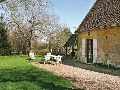 Holiday home St Sulpice H-756 : Hebergement proche de Saint-Saulge
