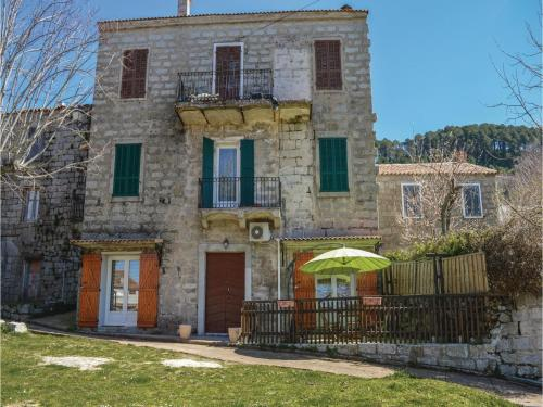 One-Bedroom Apartment in Zonza : Appartement proche de Serra-di-Scopamène
