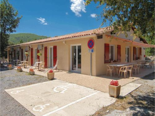 Holiday home Courry *LII * : Hebergement proche de Robiac-Rochessadoule
