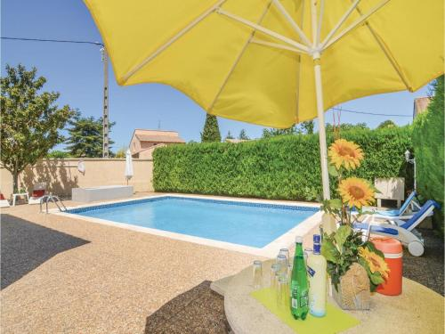 Apartment - Two-Bedroom Holiday Home in Codognan : Appartement proche de Nages-et-Solorgues