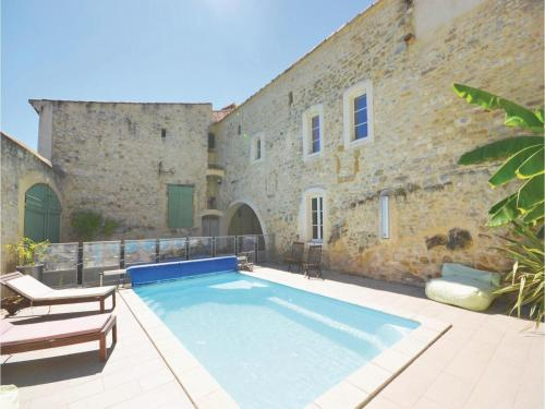 Four-Bedroom Holiday Home in Sauzet : Hebergement proche de Sainte-Anastasie