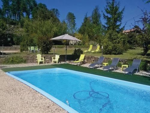 Holiday home Bordezac 90 with Outdoor Swimmingpool : Hebergement proche de Saint-Florent-sur-Auzonnet