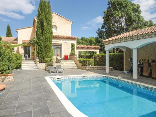 Five-Bedroom Holiday Home in Thezan les Beziers : Hebergement proche de Bassan