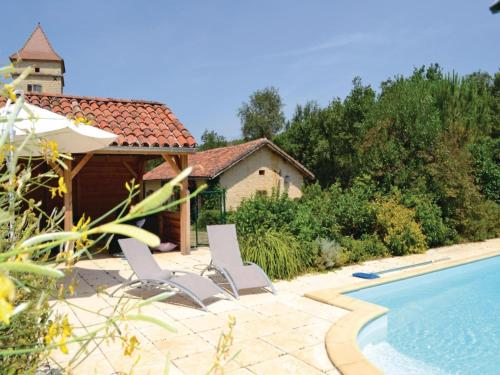 Two-Bedroom Holiday Home in Pontcirq : Hebergement proche de Saint-Médard