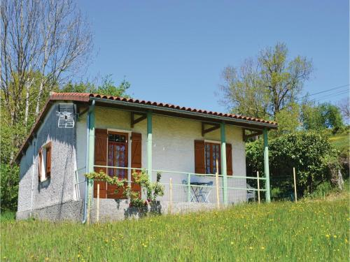 Two-Bedroom Holiday Home in St. Bressou : Hebergement proche de Fourmagnac
