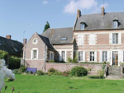 Holiday home Housset *LXI * : Hebergement proche de Moÿ-de-l'Aisne