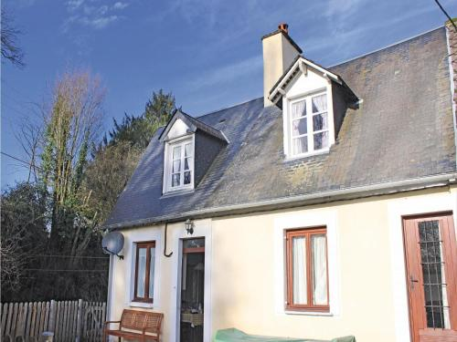 Holiday Home Rue Du Grand Clos : Hebergement proche de Barbery