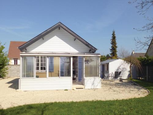 Holiday Home Bernieres-Sur-Mer 07 : Hebergement proche de Reviers