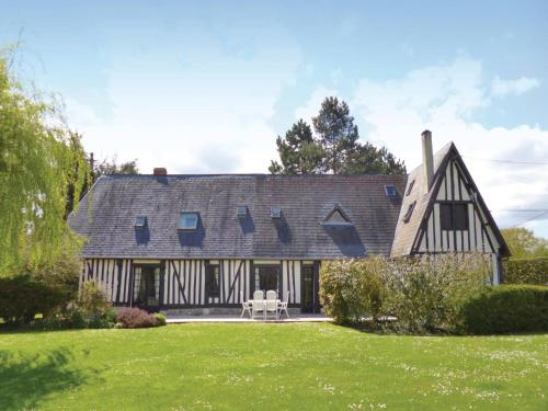 Holiday Home St-Ouen d Thouberville with Fireplace I : Hebergement proche d'Appeville-Annebault