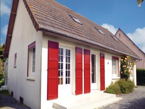 Holiday home Rue Du Soleil Couchant : Hebergement proche de Gratot
