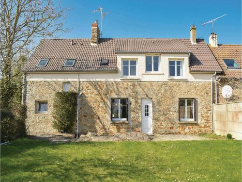 Four-Bedroom Holiday Home in Saint Germain sur Ay : Hebergement proche de Pirou