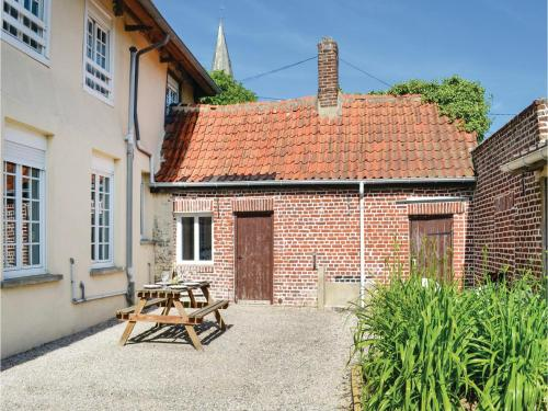 Five-Bedroom Holiday Home in Volckernickhove : Hebergement proche de Saint-Martin-au-Laërt