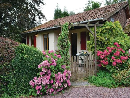 Holiday Home Gites Des Blanchiries : Hebergement proche de Dominois