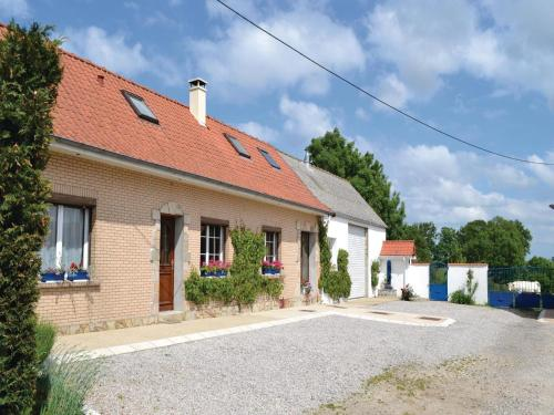 Holiday home Senlecques QR-1055 : Hebergement proche de Matringhem